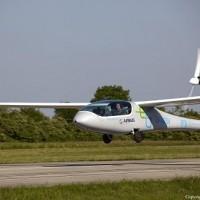 Dziewiczy lot elektrycznego samolotu – eGenius – finansowanego przez Airbusa
