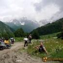 Motocyklowa opowieść o kamiennych wieżach, gruzińskim winie i kaukaskich góralach – Gruzja/Swanetia 2011